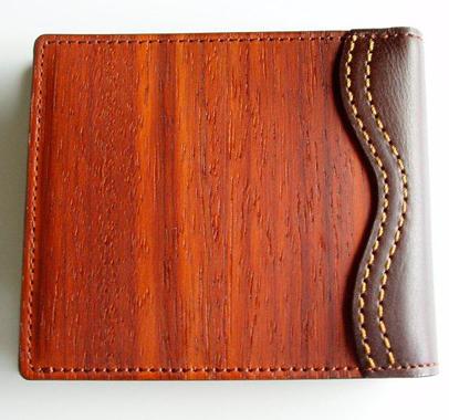 ワームス 財布