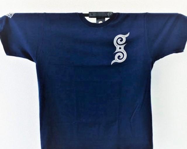 アイヌ文様Tシャツ - Tシャツ rir_blue_おもて