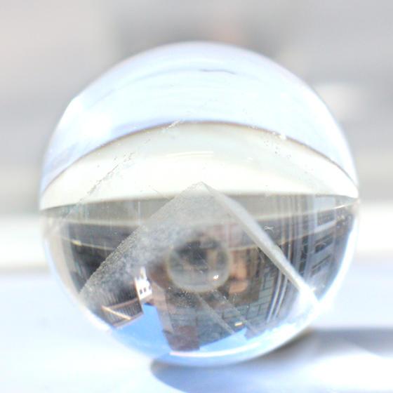 ファントム水晶 球体 (小)