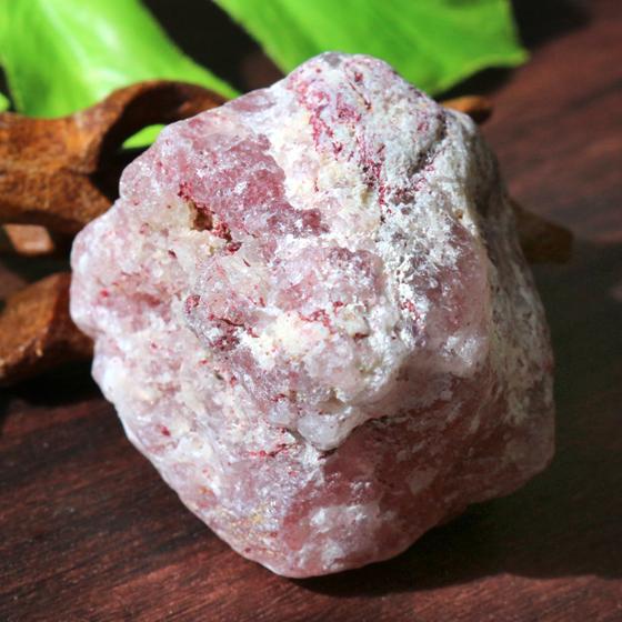 ストロベリークォーツ原石(タンザニア産)天然石パワーストーン02 (tg170704str001redminb) メール便不可