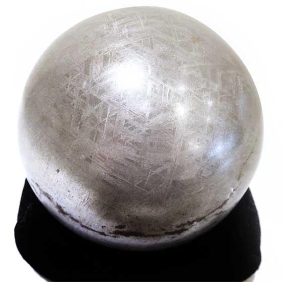 ギベオン隕石118mm球体ナミビア(アイアン・メテオライト鑑別書付)