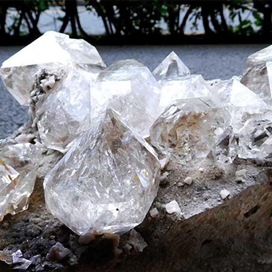 国宝級ハーキマーダイヤモンド(ハーキマー水晶)母岩付き原石