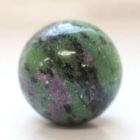 【30mm球】ルビーインゾイサイト 天然石 パワーストーン 球体 (newitem80) メール便不可