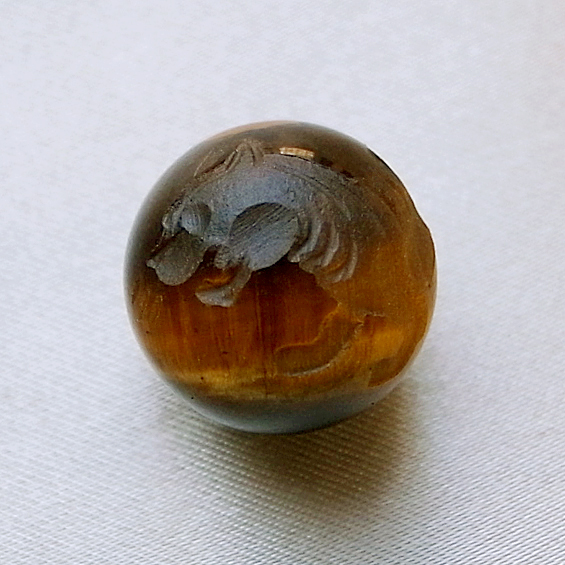 四神彫り  白虎(タイガーアイ) 14mm メール便可