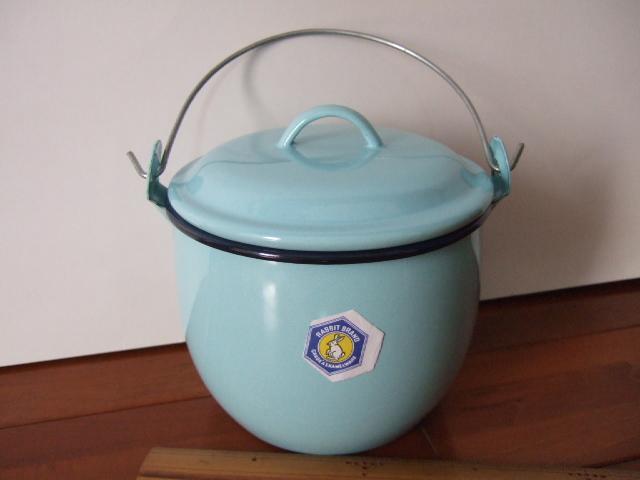 【タイ製】ホーローストッカー・ポット(バケツ)フタ付 大きめのサイズ お鍋としてもOK