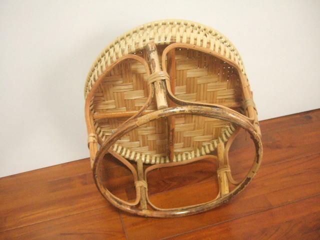 【タイ製】カントーク用のミニテーブル 中サイズ ちょっとした物置に最適 丸形 直径36cm(送料別設定)
