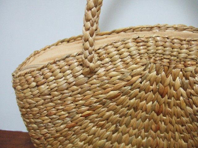 【タイ製】ウォーターヒヤシンス ゆるい五角形のハンドバッグ 持ち手も同素材 ファスナー付き 幅33cm