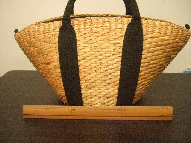 【タイ製】ウォーターヒヤシンス 台形型 巾着付きバッグ 持ち手と布は黒 底は楕円 上部幅38cm