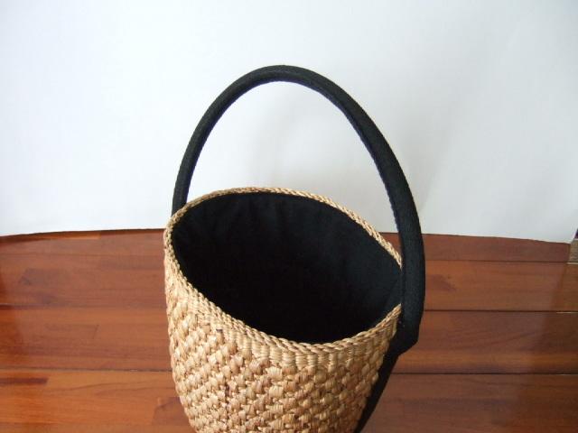 【タイ製】ウォーターヒヤシンス 円筒形 巾着付き 黒布 持ち手も黒布付き 直径約19cm