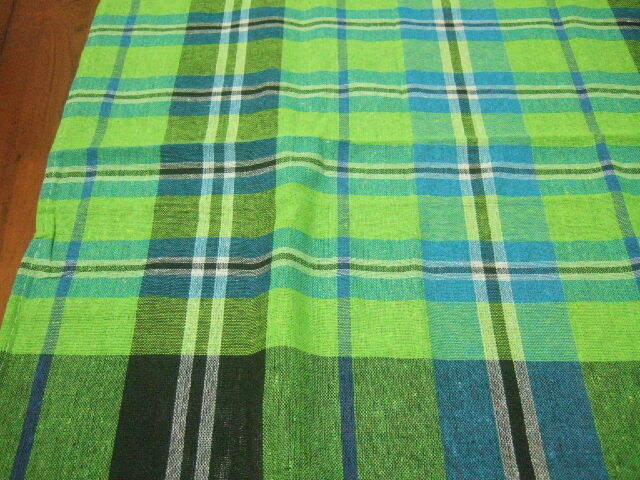 【タイ製】パーカオマー タイの布 緑 水色の チェック柄 179x73cm