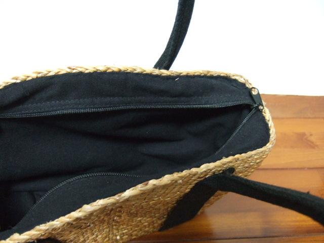 【タイ製】 ウォーターヒヤシンス なで肩 ゆるい五角形かごバッグ 紐は黒 ファスナー付き