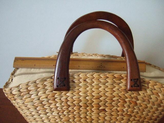 【タイ製】持ち手がマンゴーの木 ウォーターヒヤシンスのかごバッグ なで肩タイプ 幅38cm