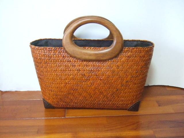 【タイ製】カチューで作られたお洒落かご 持ち手はマンゴーの木 ファスナー付 キャメル
