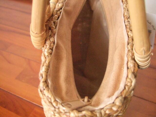 【タイ製】ウォーターヒヤシンス 細かい編み目 小さめかごバッグ 底は円形 ファスナー付き 幅25cm