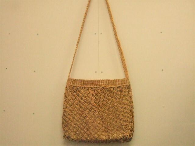 【タイ製】ウォーターヒヤシンス 四角編みショルダーかごバッグ 大き目 28cm幅