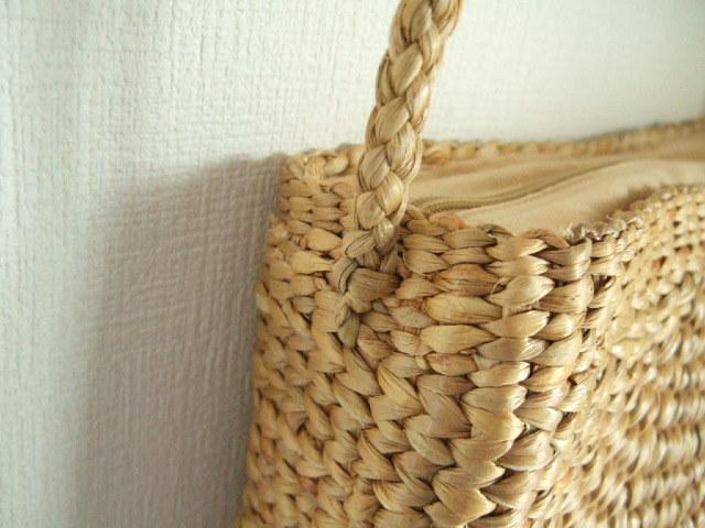【タイ製】ウォーターヒヤシンス ショルダーかごバッグ 薄め 編目細かいタイプ 紐は合皮 カシメ 幅28cm