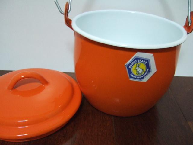 タイ製ホーローストッカー・ポット(バケツ)フタ付 お鍋としてもOK オレンジ色