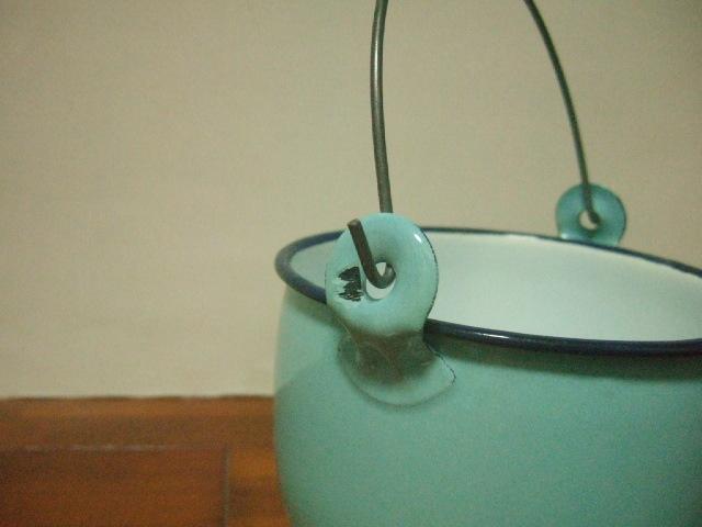 【タイ製】ホーローストッカー・ポット(バケツ)フタ ミントブルー 大きめのサイズ お鍋としてもOK