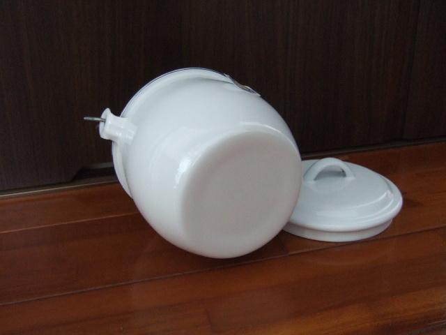 【タイ製】ホーローストッカー・ポット(バケツ)フタ付 お鍋としてもOK 白色