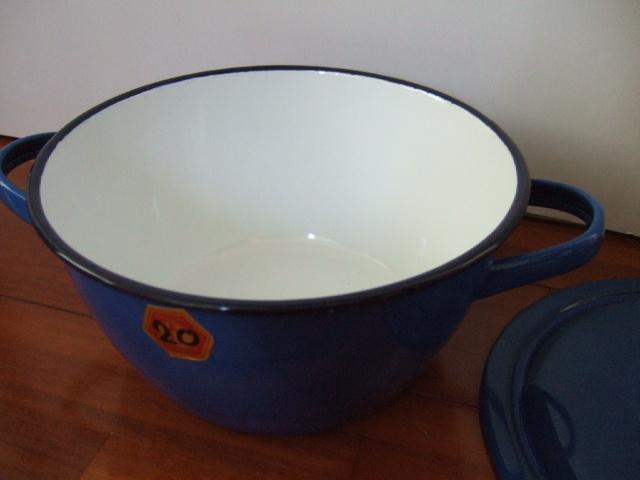 【タイ製】ホーロー両手鍋ふた付20cmPENGUIN 青