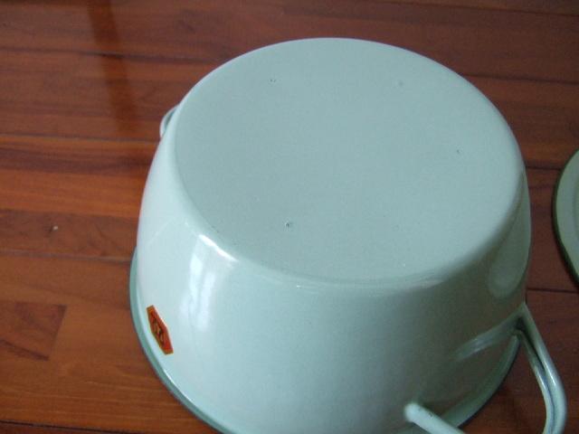 【タイ製】ホーロー両手鍋ふた付き22cmPENGUIN ミントグリーン 軽くて使いやすいお鍋
