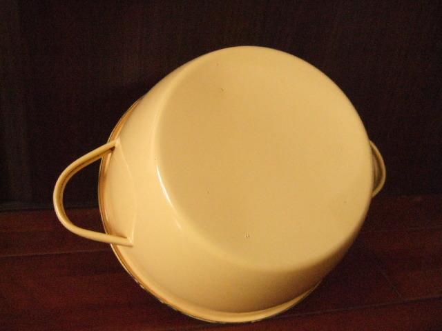 【タイ製】ホーロー両手鍋ふた付き22cmPENGUIN イエロー