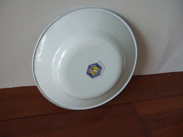 【タイ製】ホーローのお皿(プレート)ポインセチア 赤黄色 直径18cmサイズ