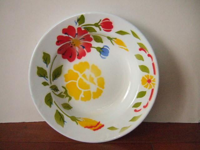 【タイ製】ホーローのお皿(プレート) かわいい花柄 白 直径23cm バラ