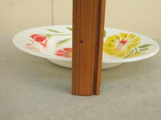 【タイ製】ホーローのお皿(プレート)タイの赤と黄色の大きなお花柄 一部赤柄 直径20.5cmサイズ