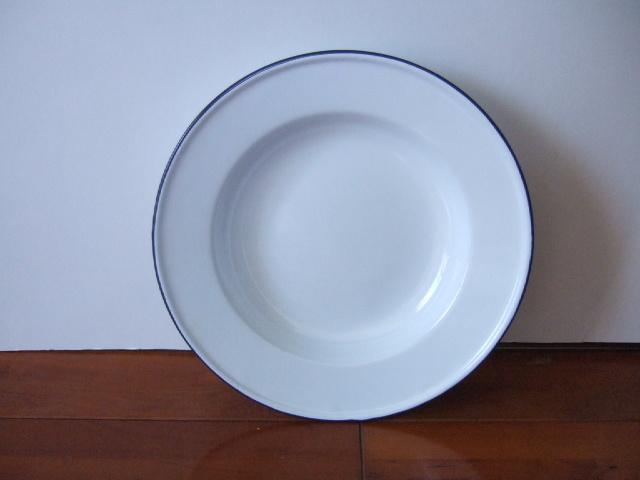 【タイ製】ホーロー皿 22cm径 ホワイト 無地シンプル