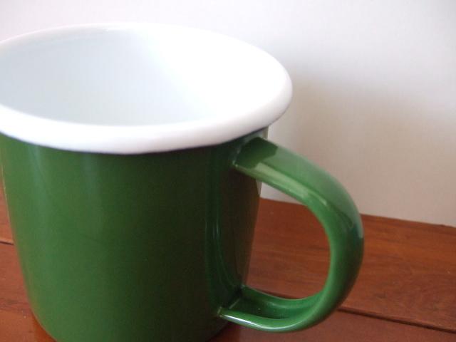 タイ製ホーローのシンプルなマグカップ【緑色】