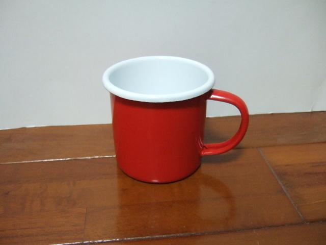 【タイ製】ホーローのシンプルなマグカップ【赤色】
