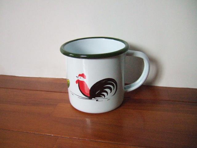 【タイ製】ホーローのマグカップ カラフルな鳥さん柄 かわいい 縁は緑 形状はシンプル