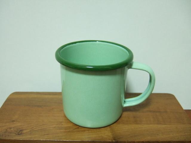 【タイ製】ホーローのシンプルなマグカップ【ライトグリーン】