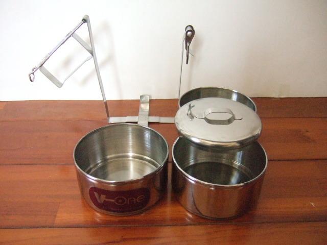 【タイ製】ステンレス製の3段式お弁当箱 直径10cm V-one 容量たっぷり