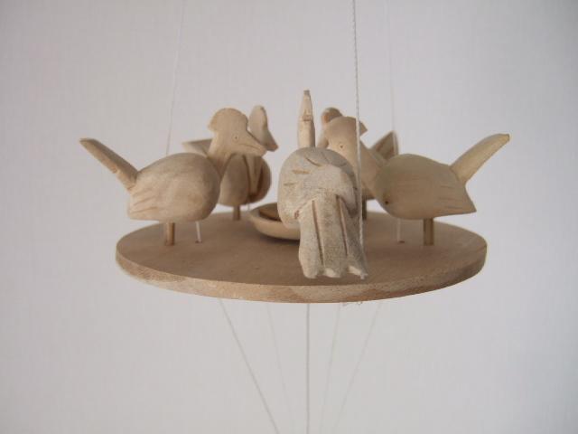 【タイ製】鳥さんエサ食べてるモビール 動きで癒される玩具 タイ製玩具