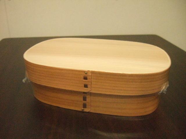 木製でよい香りの漂う台湾製の曲げわっぱ 四角形タイプ お弁当用にLunchBox サイズ18cm