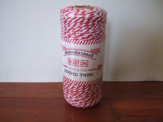 【タイ製】赤白のストライプ紐 大 180m お買い得です。ラッピングなどに