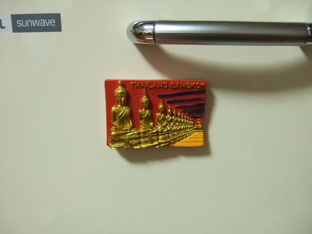 【タイ製】仏像マグネット 煌びやかな一品 レア商品です。(レターパック可)