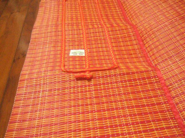 【タイ製】レジャーシート 小サイズ 紺&緑&黄色 164x93cm 610g プラスチック製