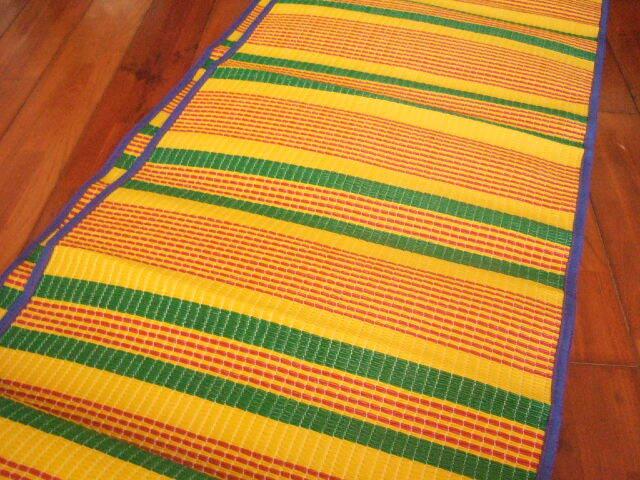 【タイ製】レジャーシート 大サイズ 黄色x青x赤  193x150cm
