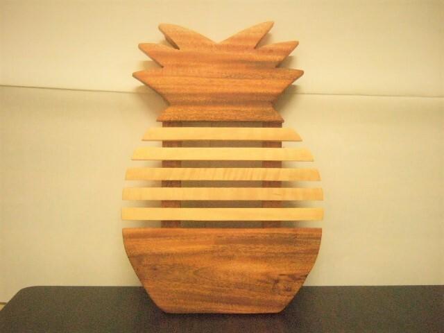 タイ発の鍋敷き パイナップルの形の面白デザイン 木製【レターパック可】