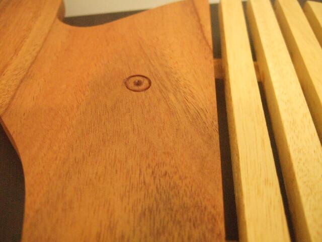 タイ発の鍋敷き 象さん形状の面白デザイン 鼻上がり象さん  木製【レターパック可】