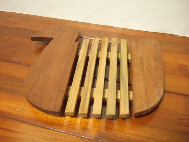 タイ発の鍋敷き アヒルさん形状の面白デザイン 木製【レターパック可】