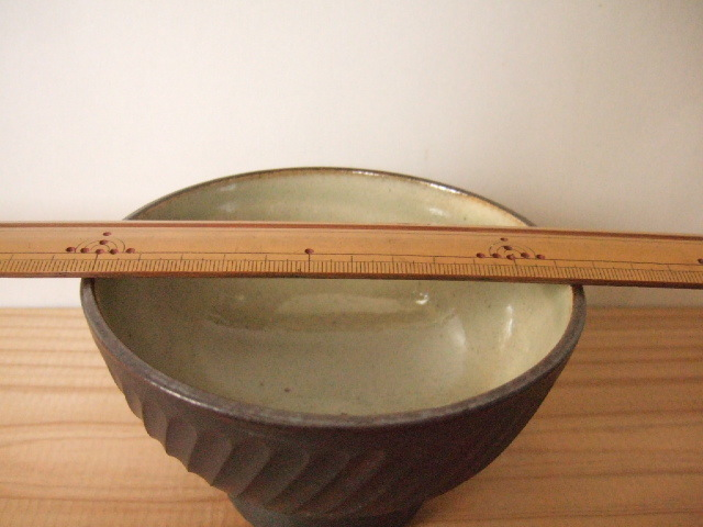 沖縄産 ツチノヒ やちむん 4寸マカイ しのぎ黒(ご飯茶碗)