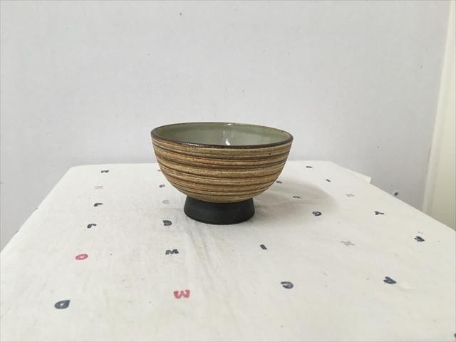 沖縄産 ツチノヒ やちむん 3.5寸マカイ 刷毛目 使いやすいご飯茶碗