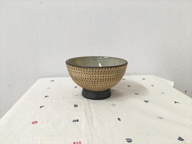 沖縄産 ツチノヒ やちむん 3.5寸マカイ 飛びかんな 使いやすいご飯茶碗