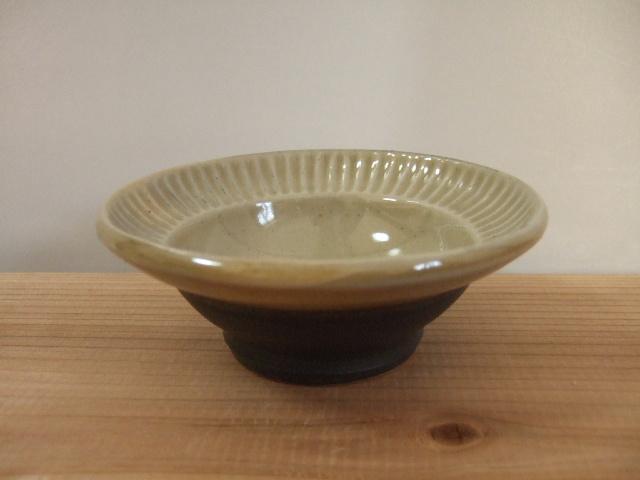 沖縄産 ツチノヒ やちむん 4寸鉢 シノギ