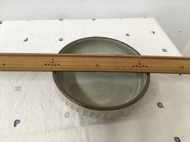 沖縄産 ツチノヒ やちむん 丸鉢4寸 しのぎ白