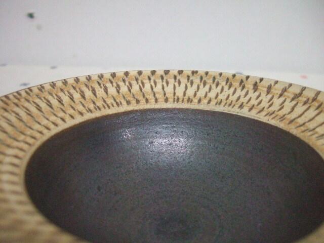 沖縄産 ツチノヒ やちむん 4寸鉢 飛びかんな